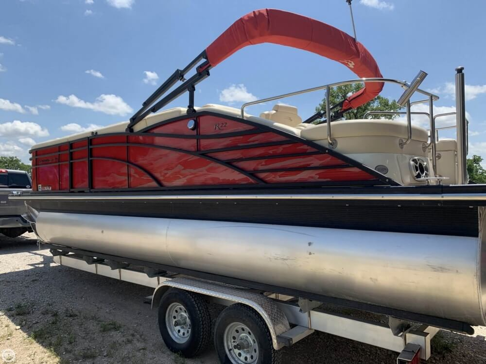 2015 Bennington boat for sale, model of the boat is 2275 RCW & Image # 12 of 41