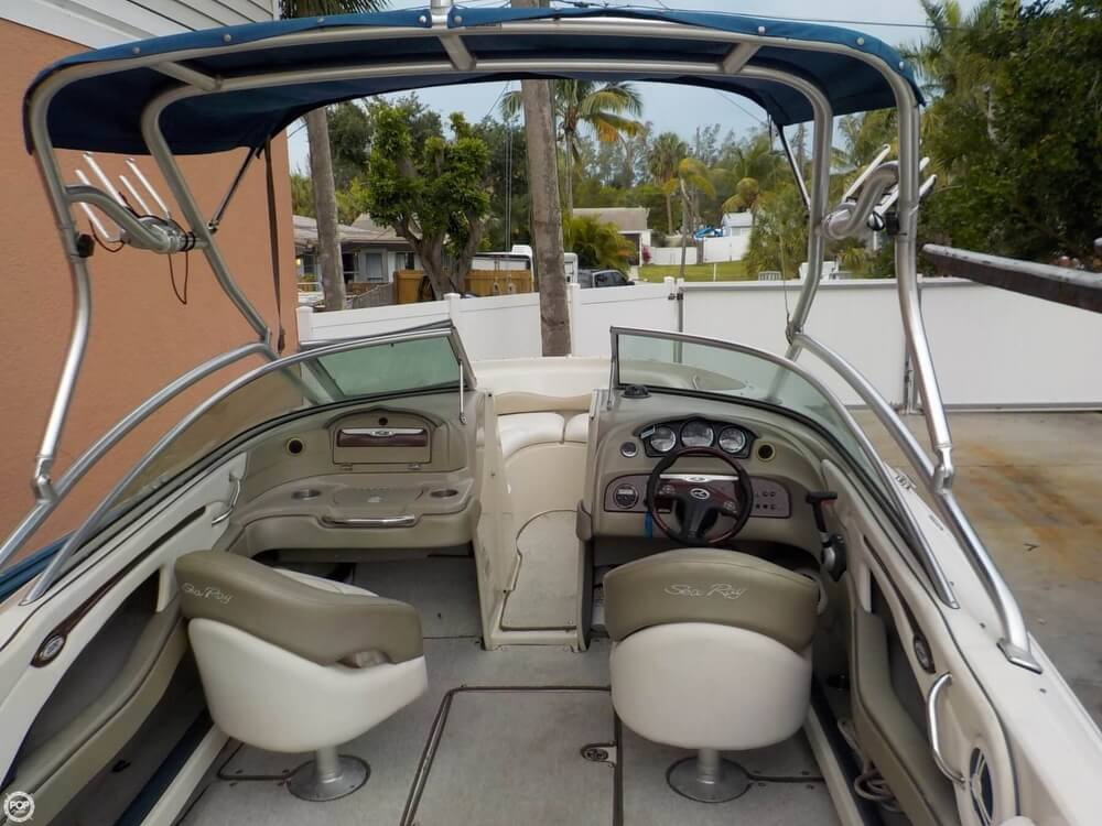 2006 Sea Ray boat for sale, model of the boat is 220 Select & Image # 3 of 40