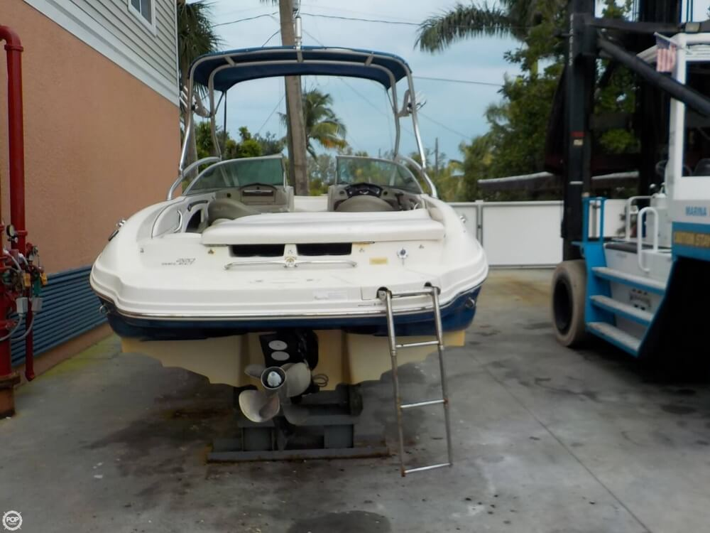 2006 Sea Ray boat for sale, model of the boat is 220 Select & Image # 10 of 40