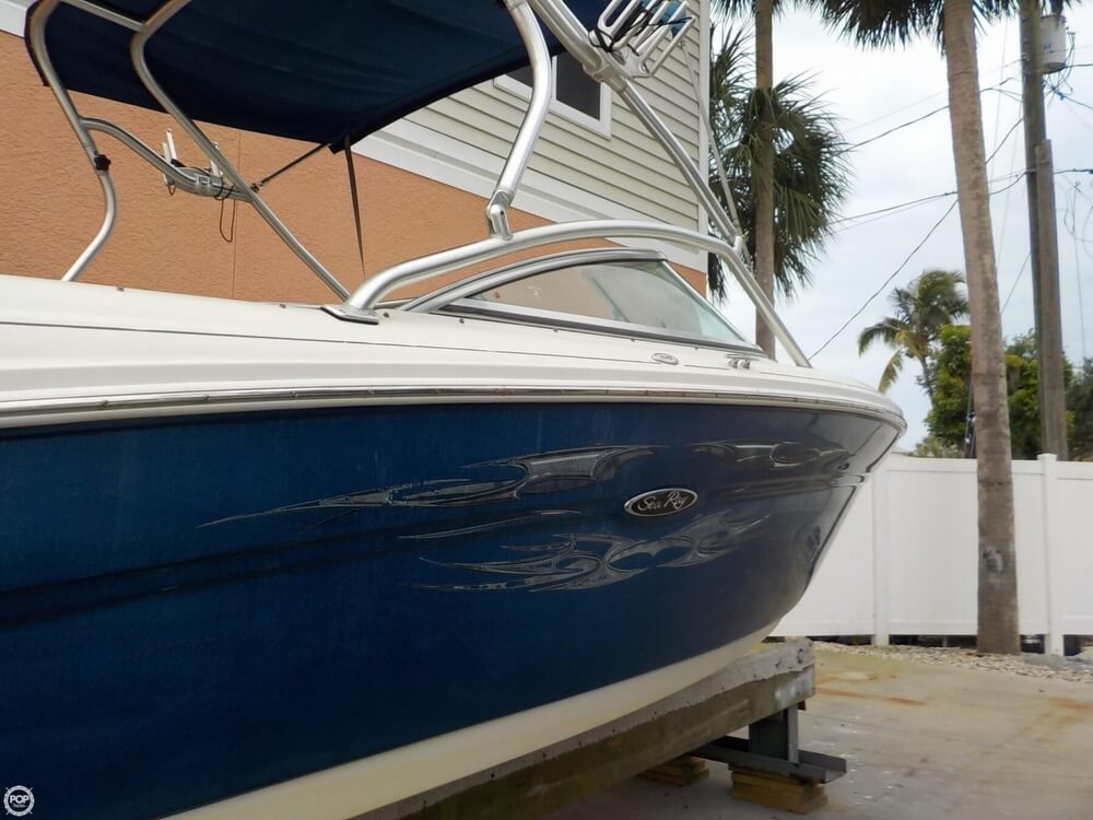 2006 Sea Ray boat for sale, model of the boat is 220 Select & Image # 12 of 40