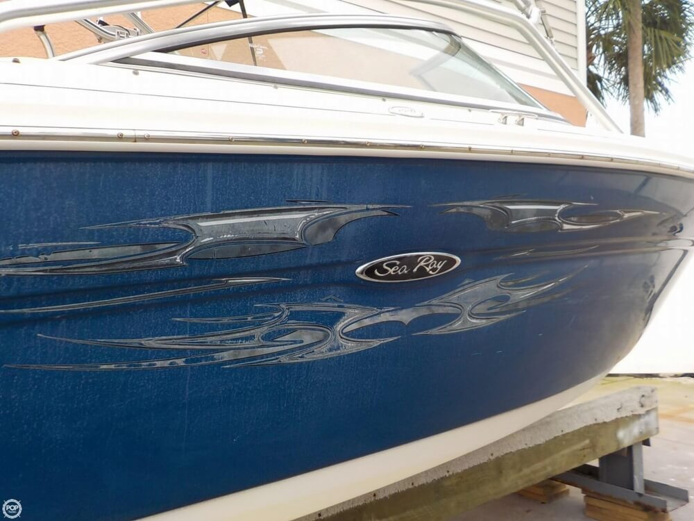 2006 Sea Ray boat for sale, model of the boat is 220 Select & Image # 13 of 40