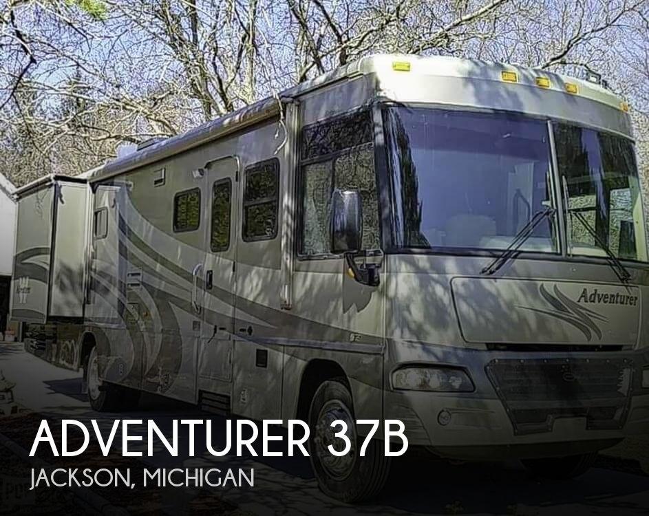 2005 Winnebago Adventurer 37B