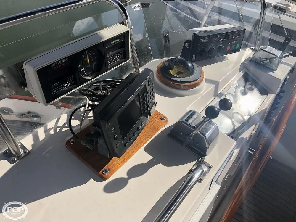 1989 Grand Banks boat for sale, model of the boat is 36 & Image # 26 of 40