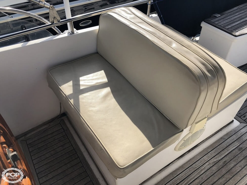 1989 Grand Banks boat for sale, model of the boat is 36 & Image # 37 of 40
