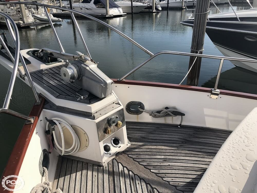 1989 Grand Banks boat for sale, model of the boat is 36 & Image # 16 of 40
