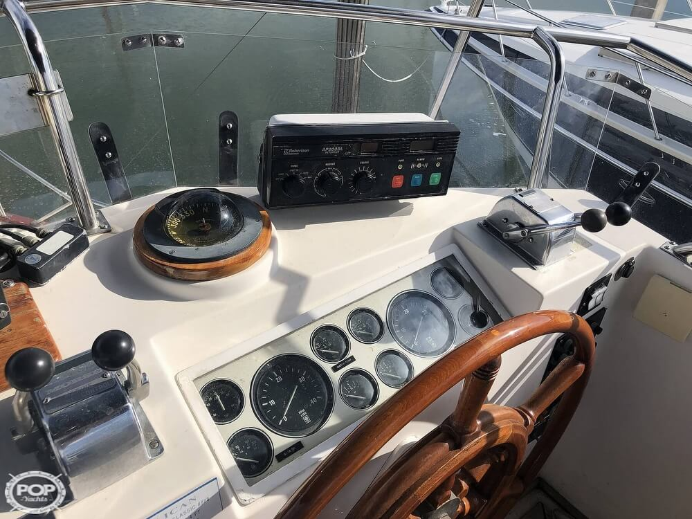 1989 Grand Banks boat for sale, model of the boat is 36 & Image # 25 of 40