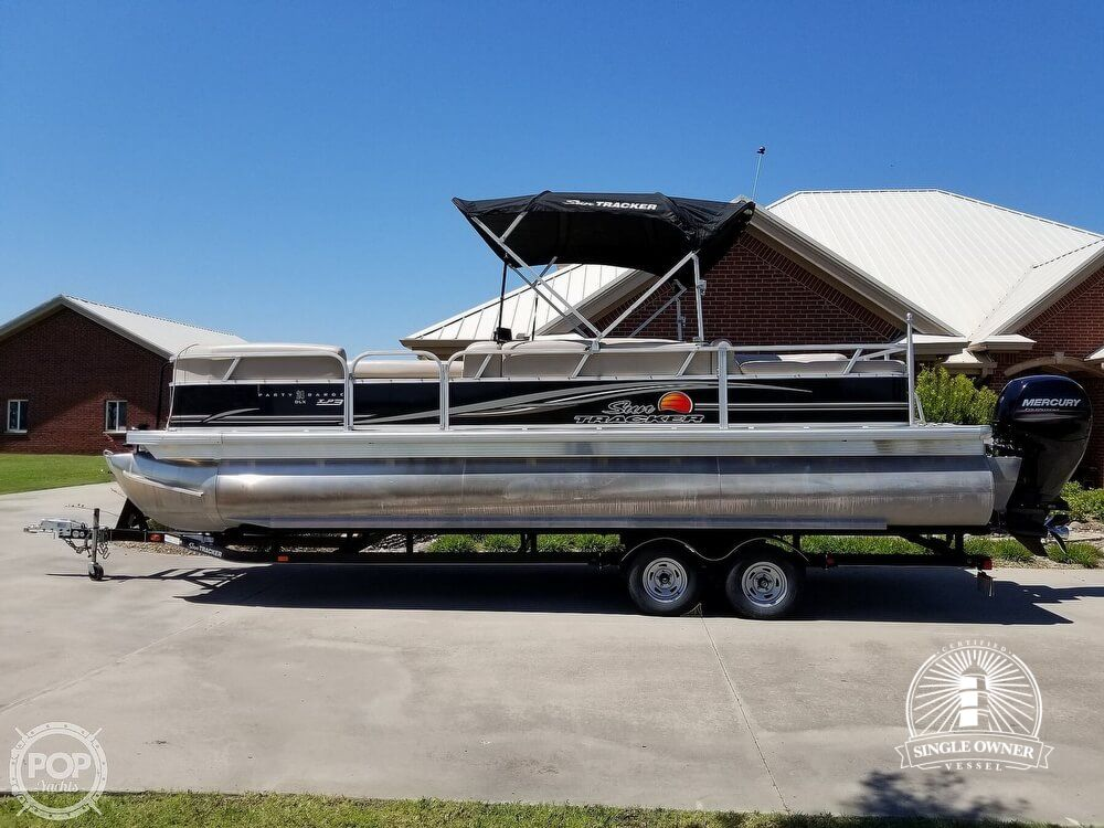 2014 Sun Tracker Party Barge 24 DLX - High Speed Fun With Room For Everyone!