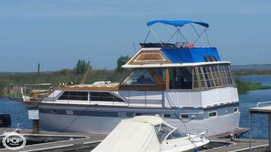 Trojan Flush Deck Motoryacht 42, 42', for sale - $40,000