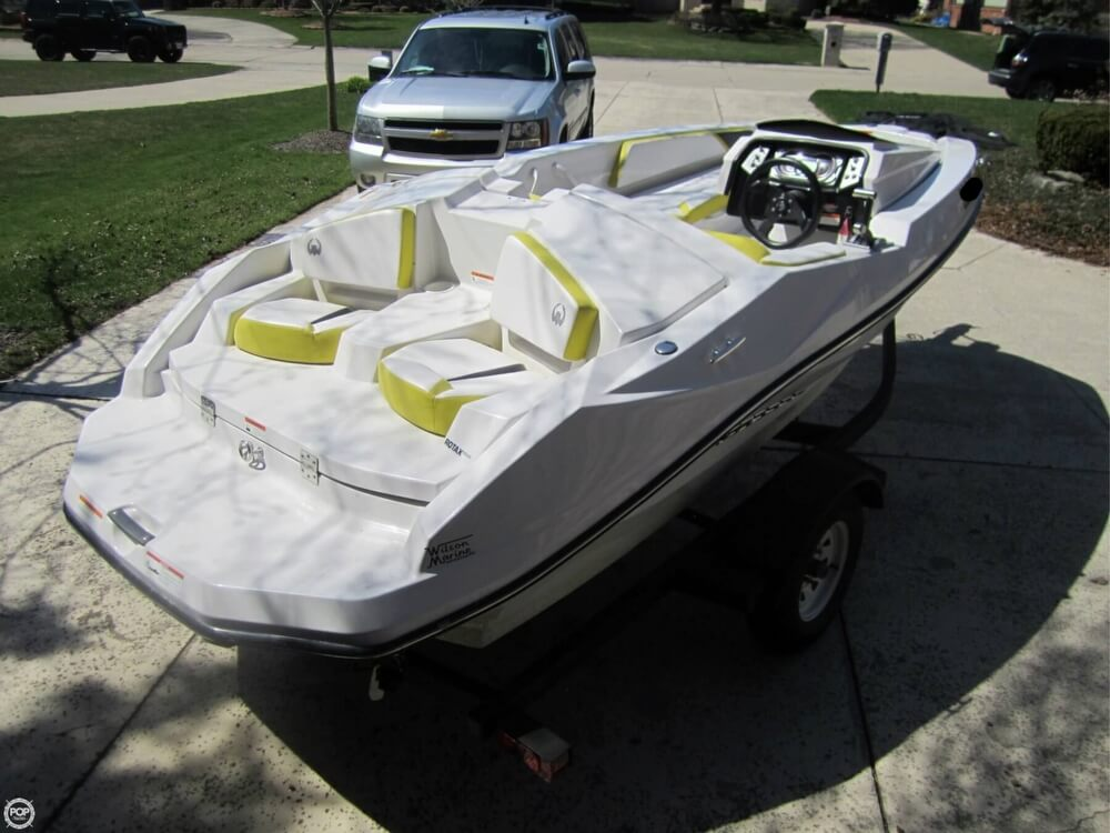 2016 Scarab boat for sale, model of the boat is 165 & Image # 3 of 40