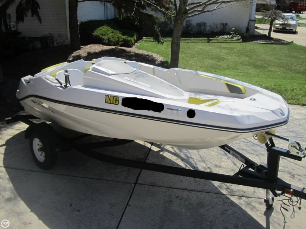 2016 Scarab boat for sale, model of the boat is 165 & Image # 14 of 40