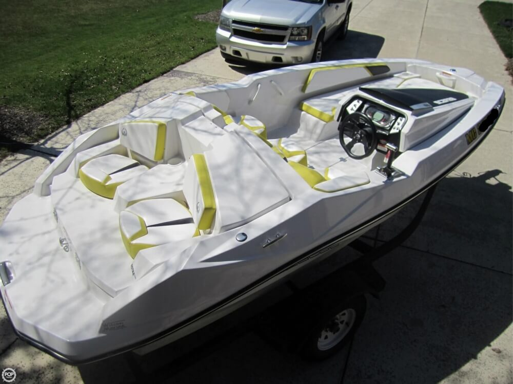 2016 Scarab boat for sale, model of the boat is 165 & Image # 20 of 40