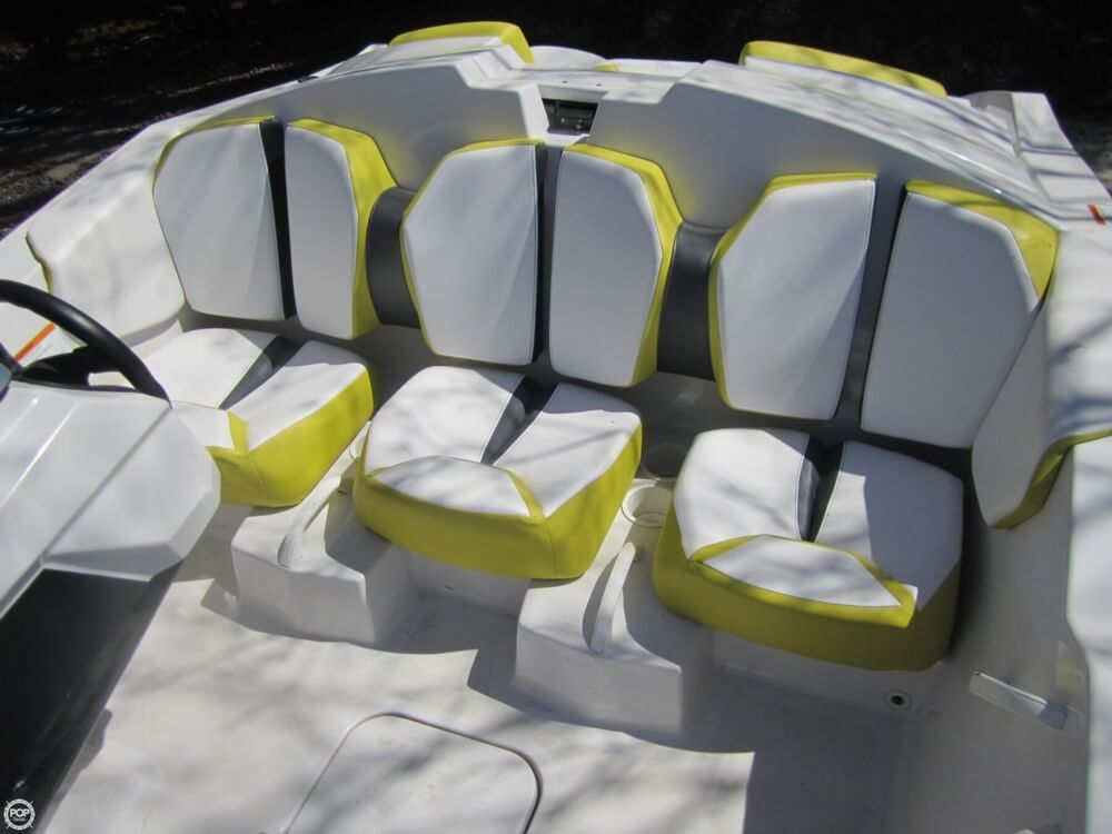 2016 Scarab boat for sale, model of the boat is 165 & Image # 31 of 40