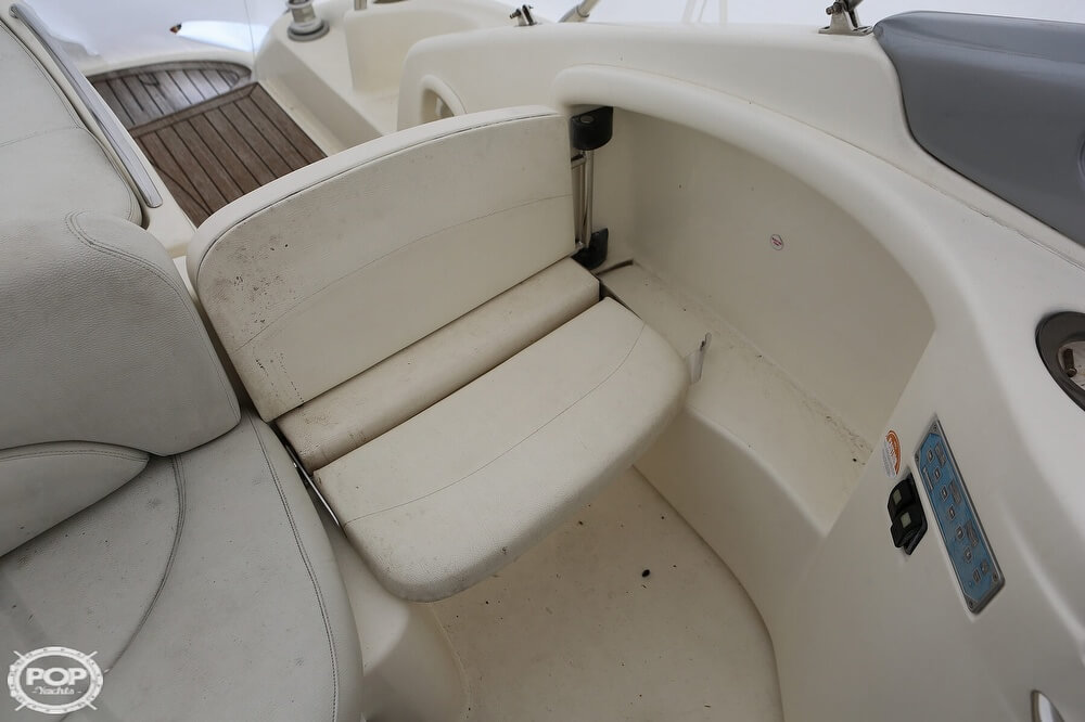 2003 Cranchi boat for sale, model of the boat is 33 Endurance & Image # 13 of 40