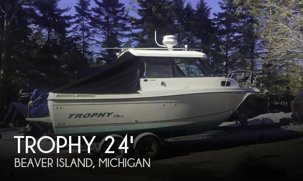 Used Trophy Boats For Sale by owner | 2004 Trophy Pro 2359 Hardtop Alaskan Bulkh