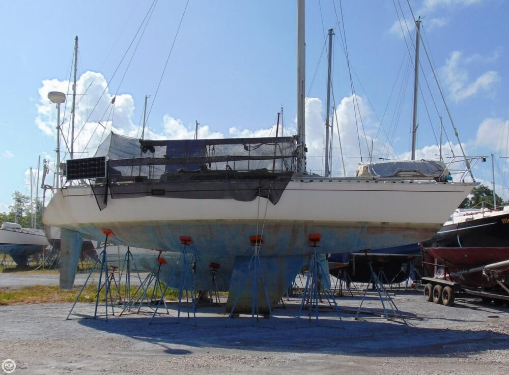 1982 Beneteau boat for sale, model of the boat is First 38 & Image # 7 of 40