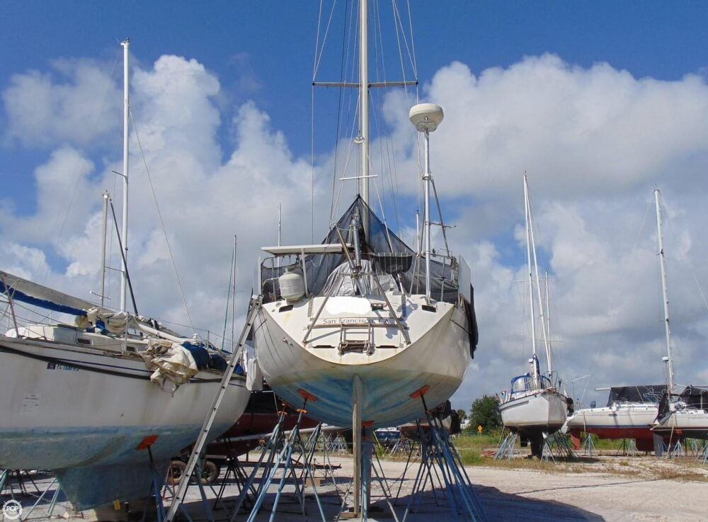 1982 Beneteau boat for sale, model of the boat is First 38 & Image # 10 of 40