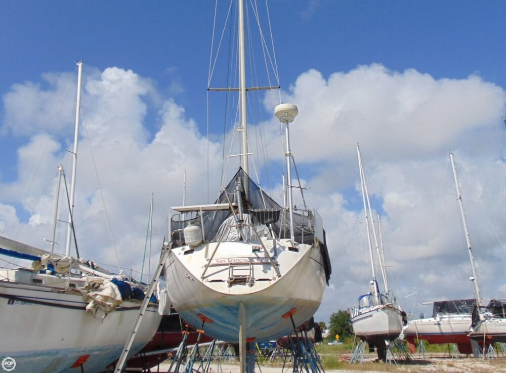 1982 Beneteau boat for sale, model of the boat is First 38 & Image # 11 of 40
