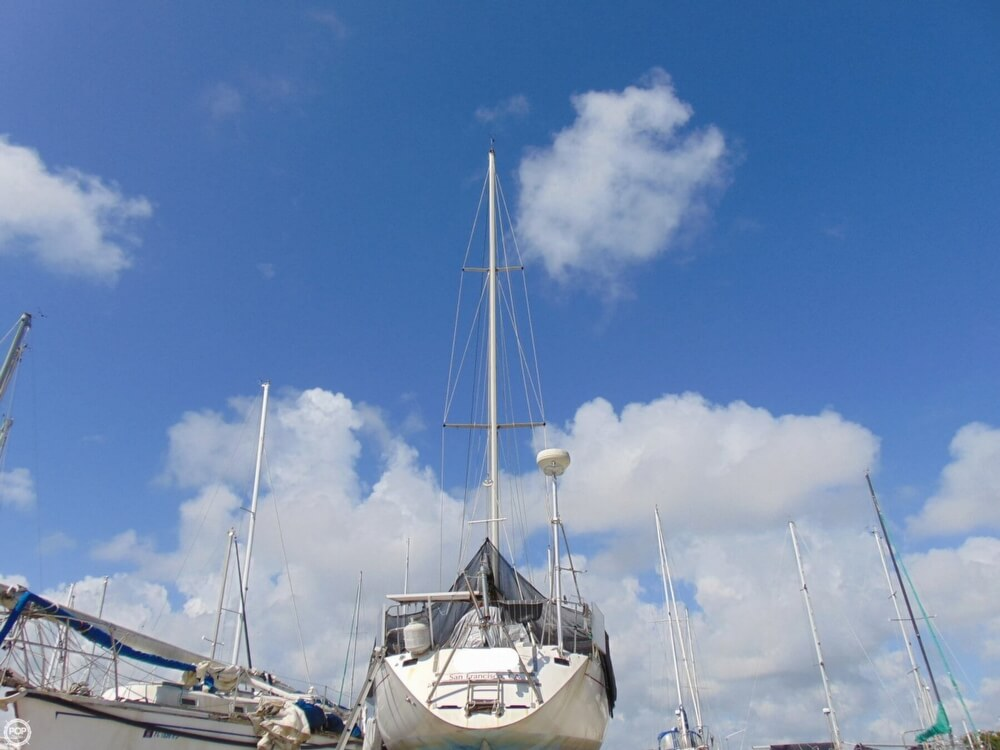 1982 Beneteau boat for sale, model of the boat is First 38 & Image # 12 of 40