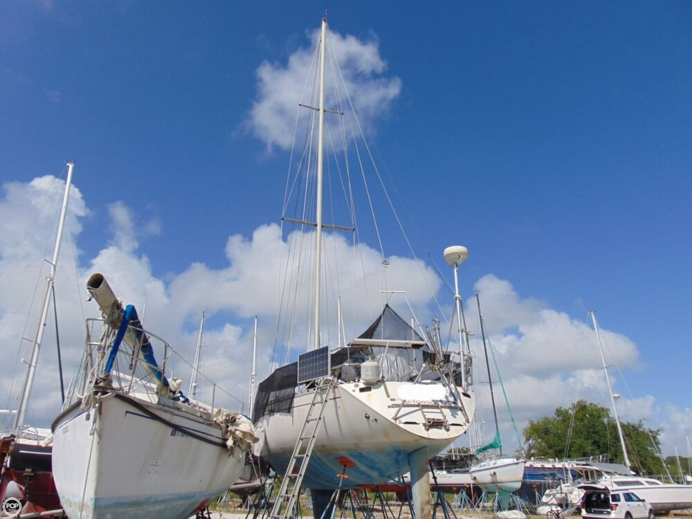 1982 Beneteau boat for sale, model of the boat is First 38 & Image # 13 of 40
