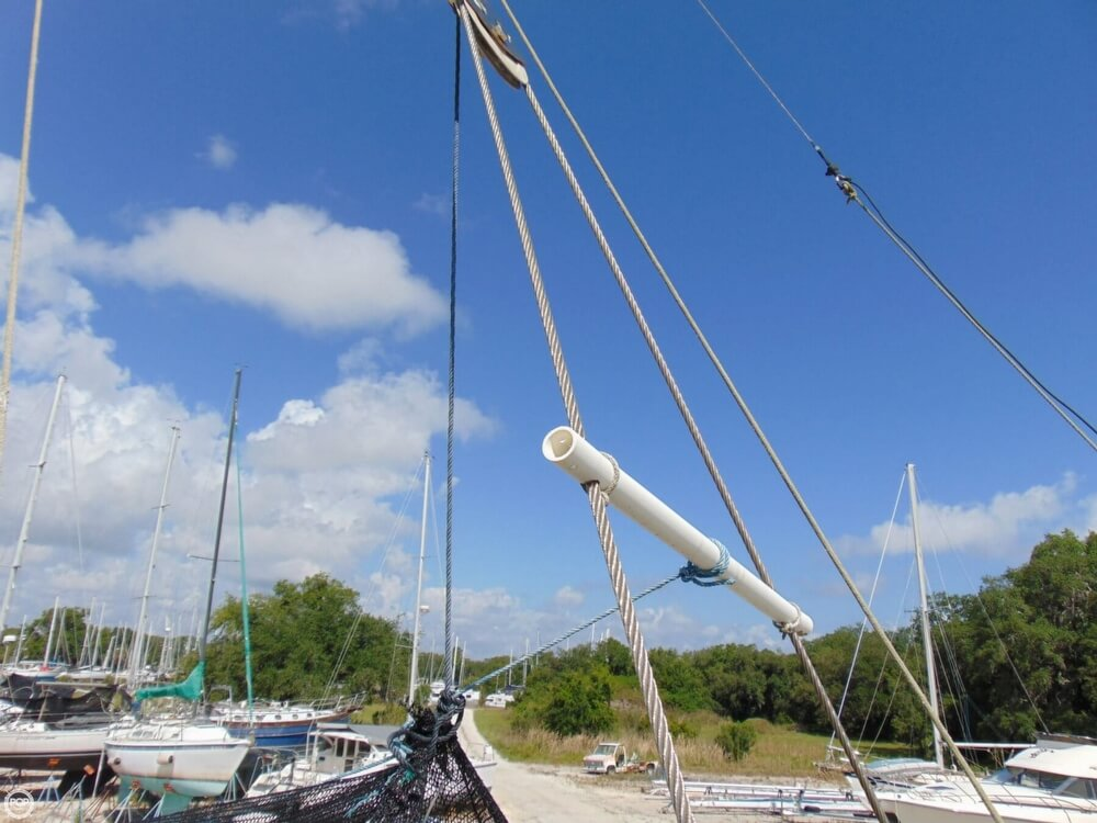1982 Beneteau boat for sale, model of the boat is First 38 & Image # 25 of 40