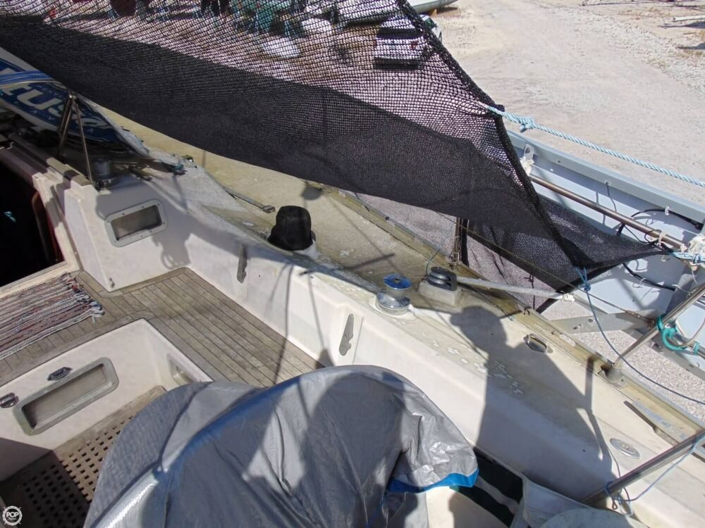 1982 Beneteau boat for sale, model of the boat is First 38 & Image # 26 of 40