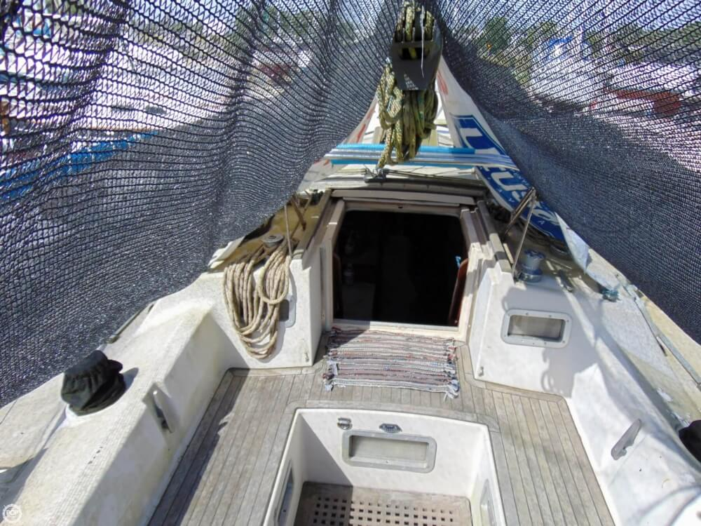 1982 Beneteau boat for sale, model of the boat is First 38 & Image # 27 of 40
