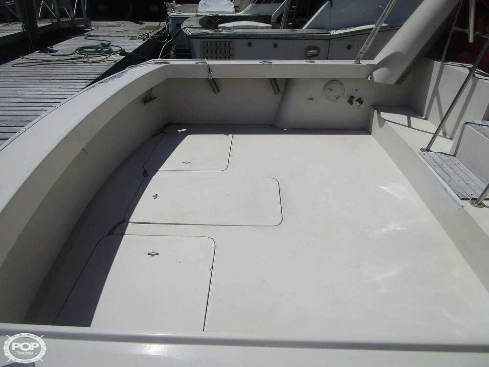 1986 Luhrs boat for sale, model of the boat is 340 Sport fisherman & Image # 7 of 40