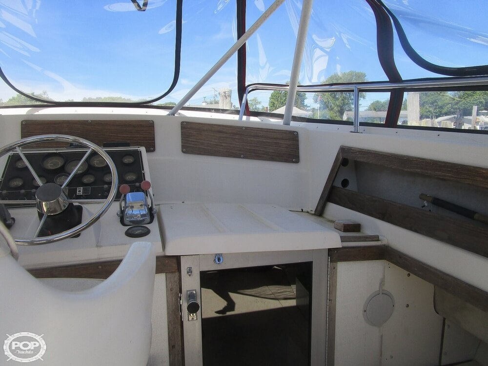 1986 Luhrs boat for sale, model of the boat is 340 Sport fisherman & Image # 17 of 40