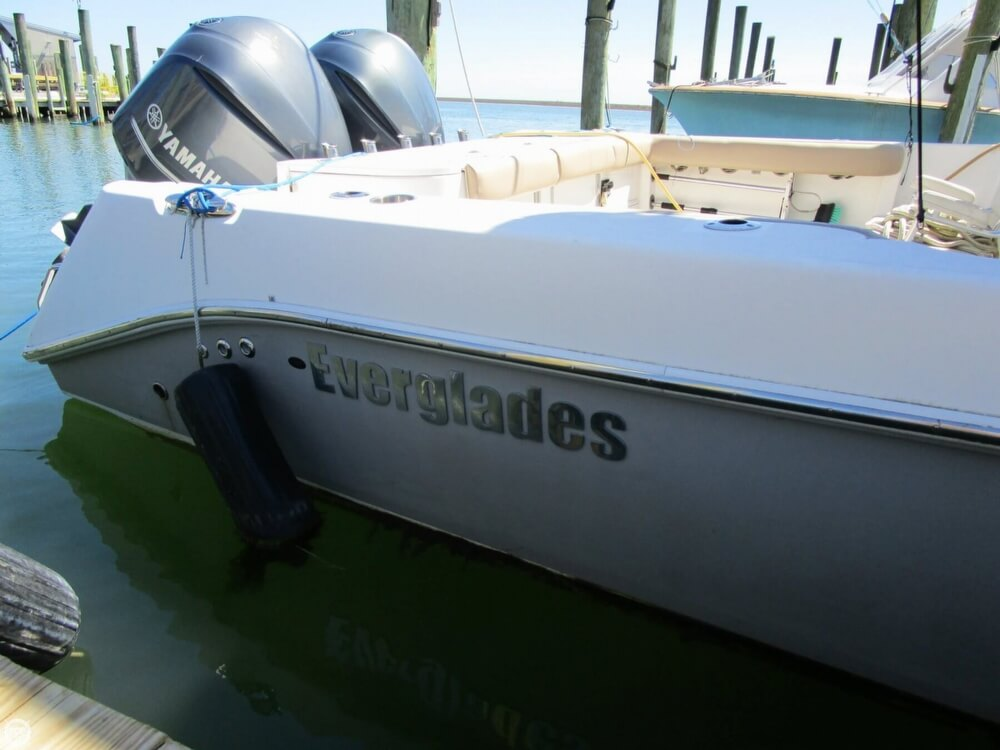 2011 Everglades boat for sale, model of the boat is 320 EX & Image # 9 of 40