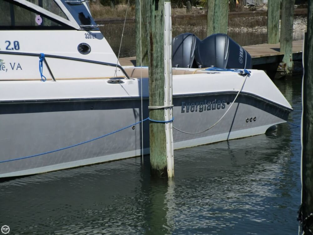 2011 Everglades boat for sale, model of the boat is 320 EX & Image # 11 of 40