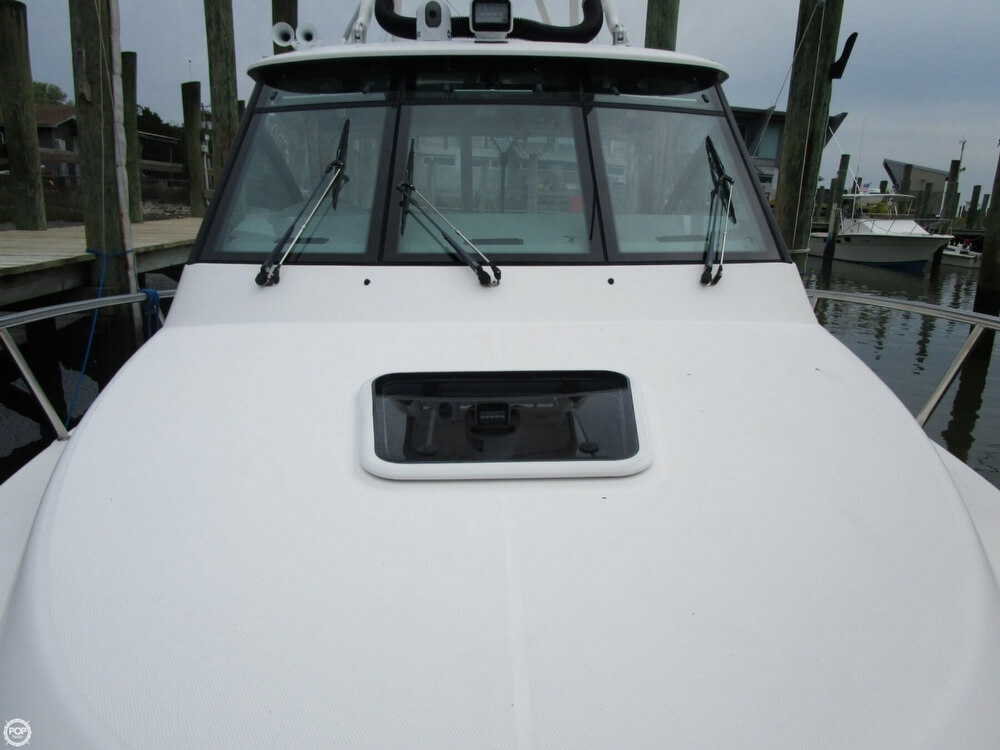 2011 Everglades boat for sale, model of the boat is 320 EX & Image # 23 of 40