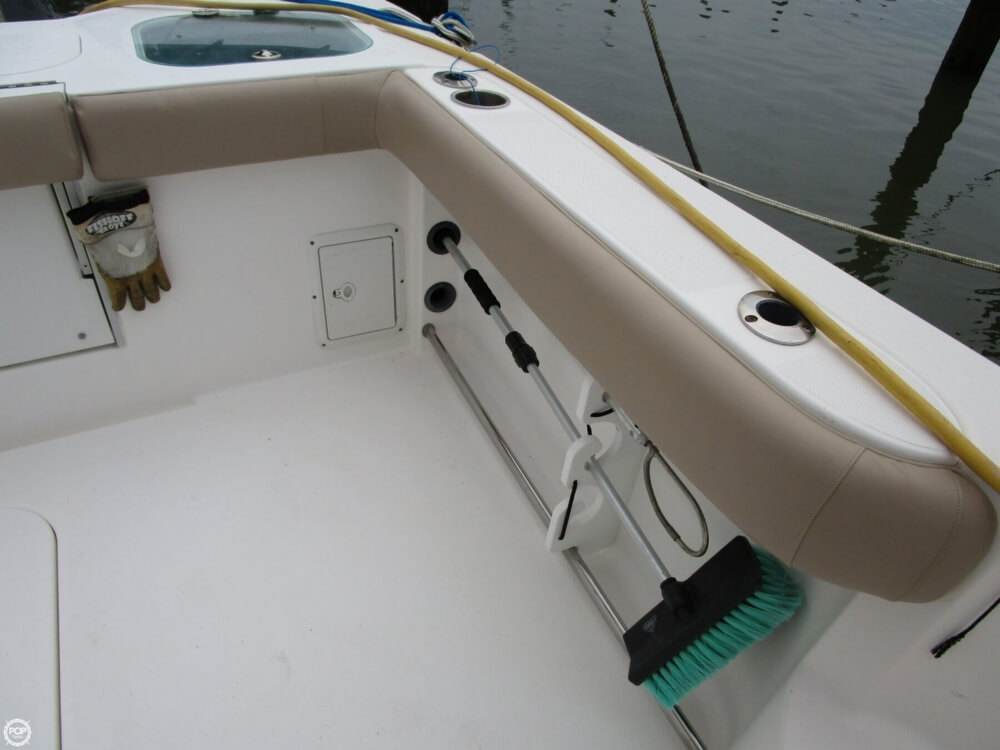 2011 Everglades boat for sale, model of the boat is 320 EX & Image # 29 of 40