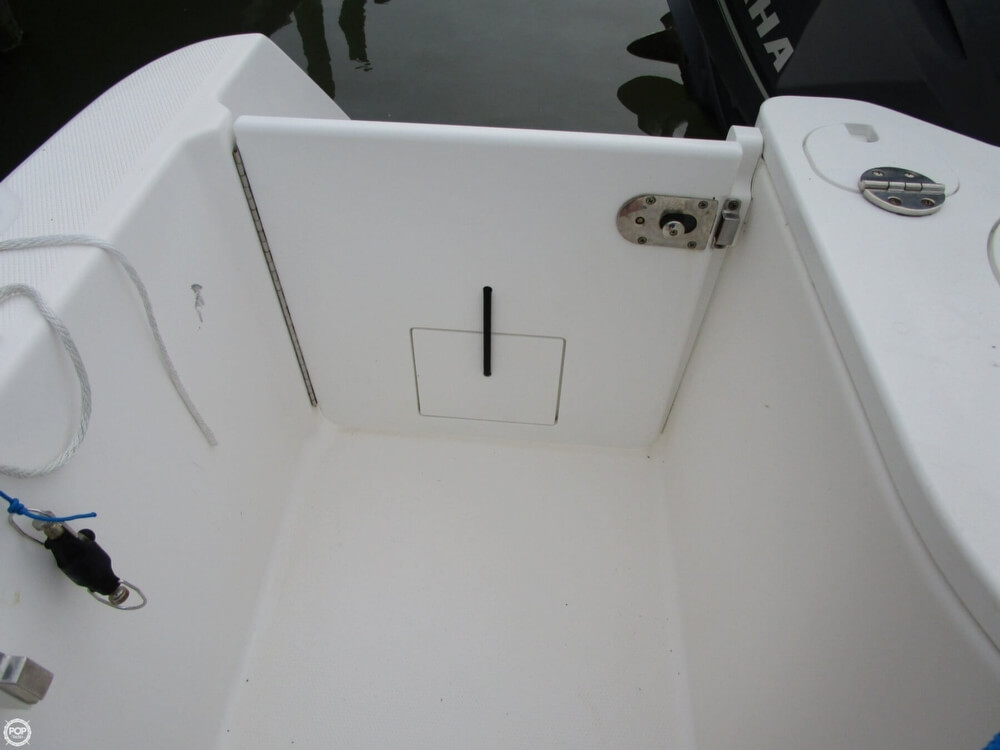 2011 Everglades boat for sale, model of the boat is 320 EX & Image # 36 of 40