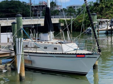 Hunter 33 Cherubini Sloop, 32', for sale - $14,750