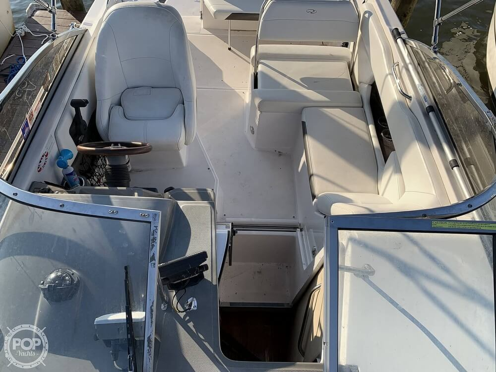 2008 Regal boat for sale, model of the boat is 2565 Window Express & Image # 12 of 40