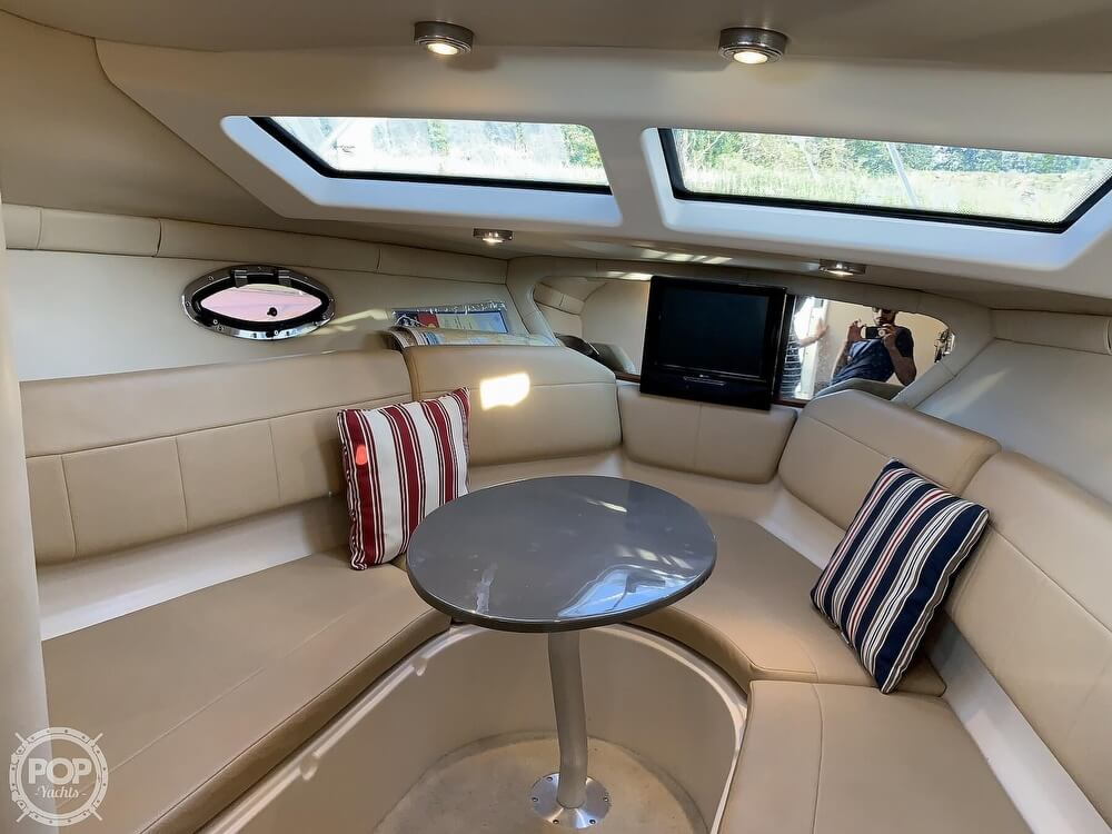 2008 Regal boat for sale, model of the boat is 2565 Window Express & Image # 8 of 40