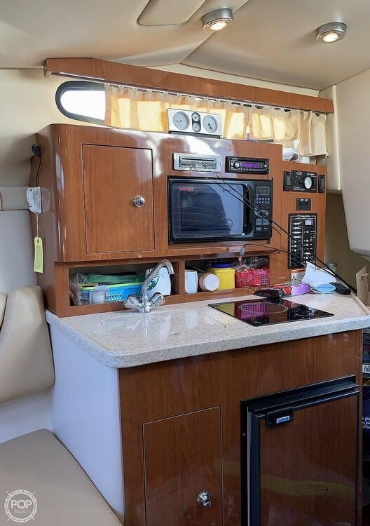 2008 Regal boat for sale, model of the boat is 2565 Window Express & Image # 36 of 40