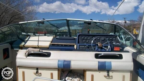 1988 Sea Ray boat for sale, model of the boat is 300 Sundancer & Image # 3 of 10