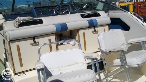 1988 Sea Ray boat for sale, model of the boat is 300 Sundancer & Image # 4 of 10