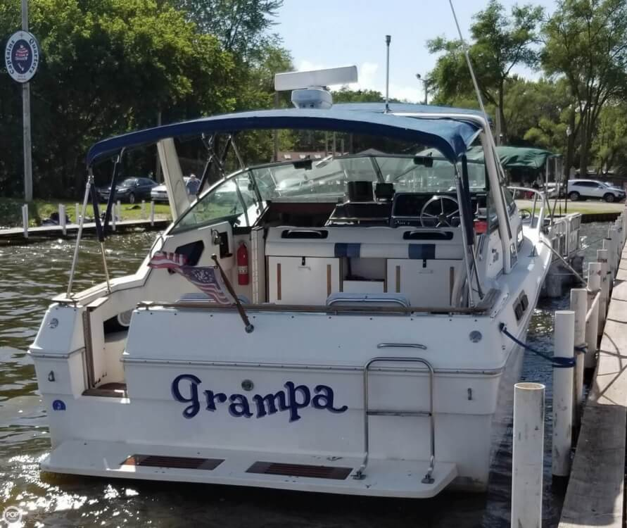 1989 Sea Ray boat for sale, model of the boat is 300 Sundancer & Image # 3 of 40