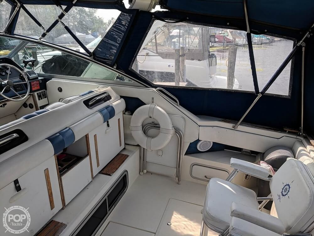 1989 Sea Ray boat for sale, model of the boat is 300 Sundancer & Image # 38 of 40