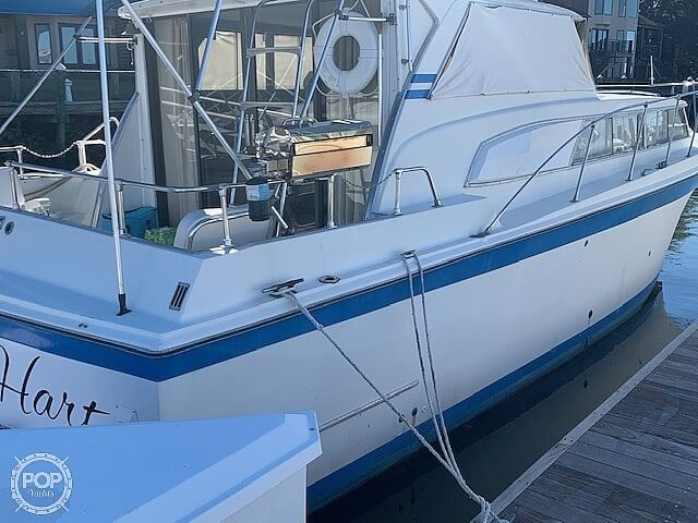 1969 Uniflite boat for sale, model of the boat is 36 & Image # 9 of 40