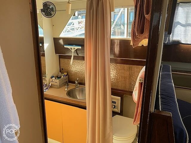 1969 Uniflite boat for sale, model of the boat is 36 & Image # 34 of 40