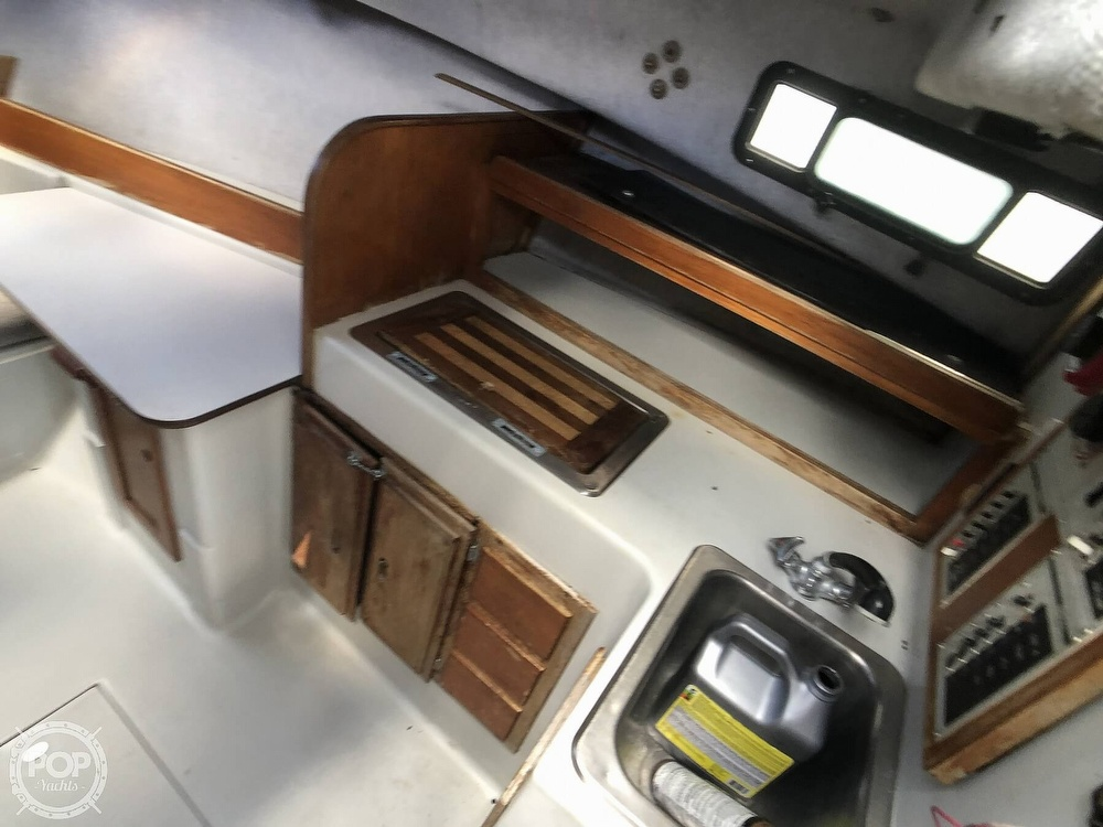 1988 Rampage boat for sale, model of the boat is 28 Sportsman & Image # 12 of 40