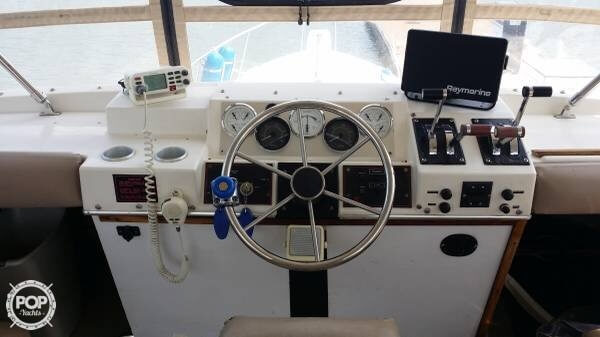 1984 Bayliner 40 - image 4