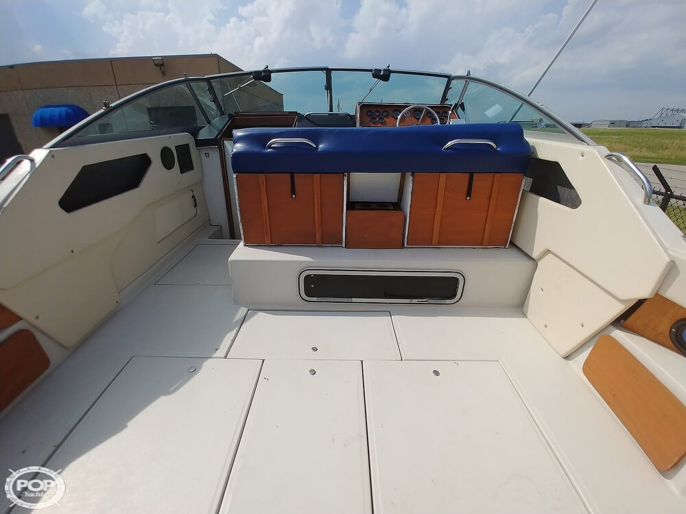 1986 Sea Ray boat for sale, model of the boat is SRV 300 Sundancer & Image # 28 of 40
