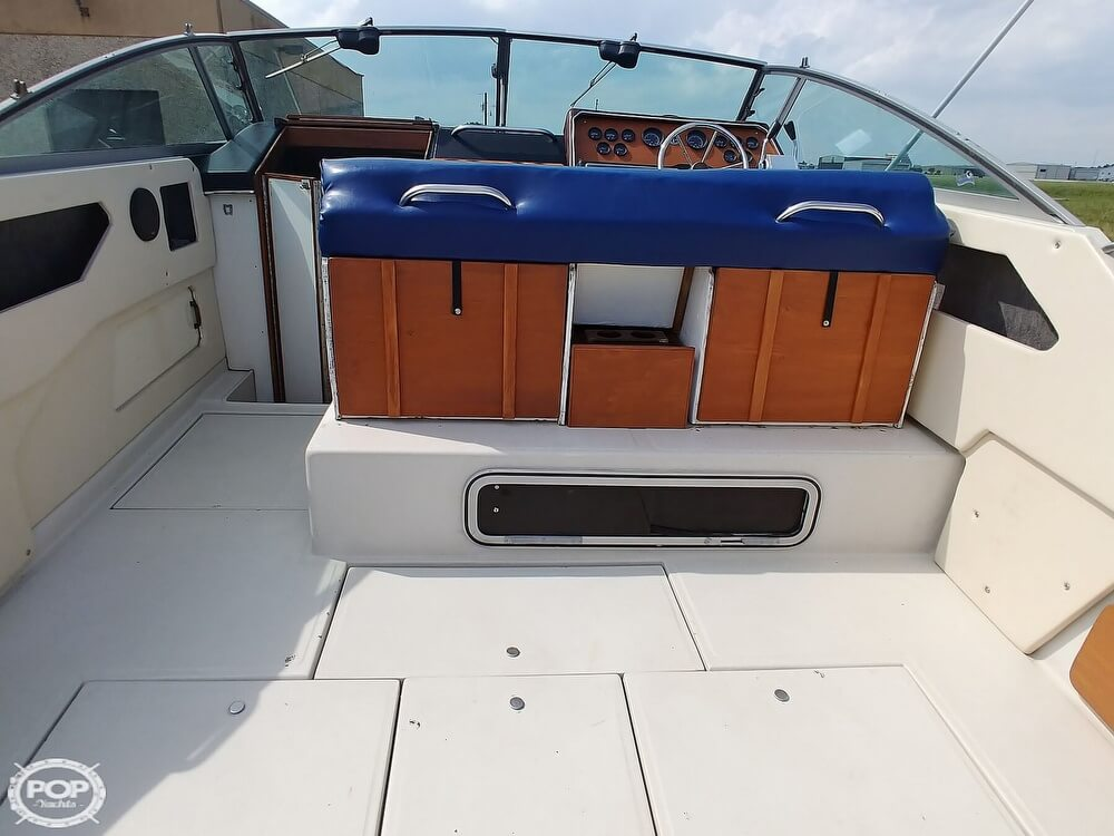 1986 Sea Ray boat for sale, model of the boat is SRV 300 Sundancer & Image # 27 of 40