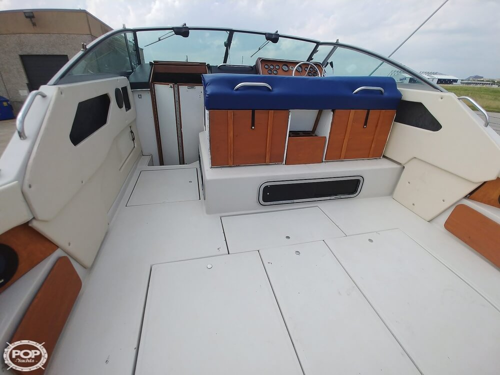 1986 Sea Ray boat for sale, model of the boat is SRV 300 Sundancer & Image # 6 of 40