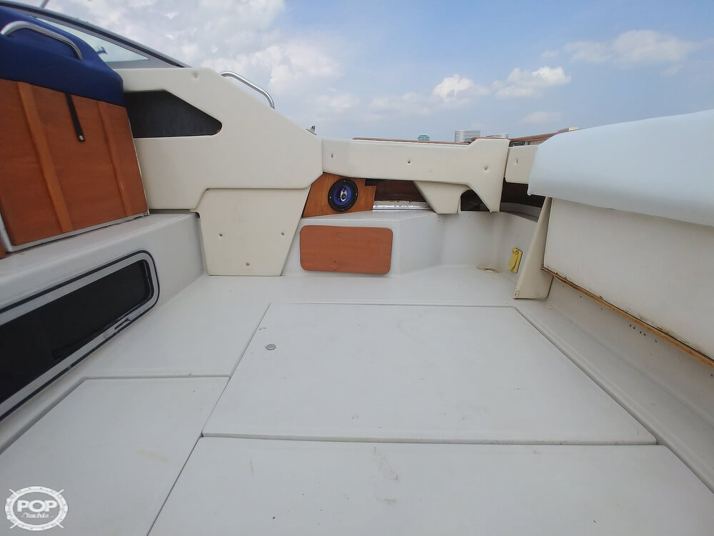1986 Sea Ray boat for sale, model of the boat is SRV 300 Sundancer & Image # 29 of 40