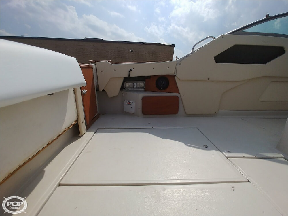 1986 Sea Ray boat for sale, model of the boat is SRV 300 Sundancer & Image # 31 of 40